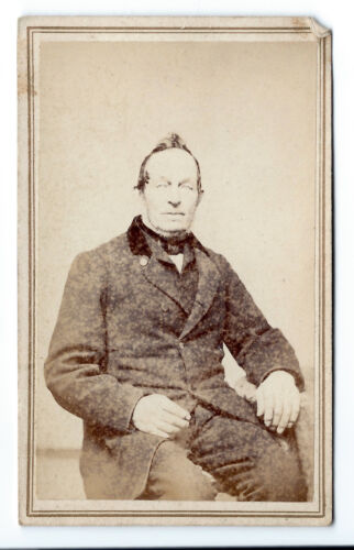 1860s CDV, original photo of middle-aged man in suit, Manchester, New Hampsire