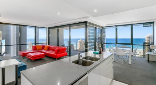 GOLD COAST ACCOMMODATION Circle on Cavill 7 Nights $1250 2 Bedroom Ocean + Wifi