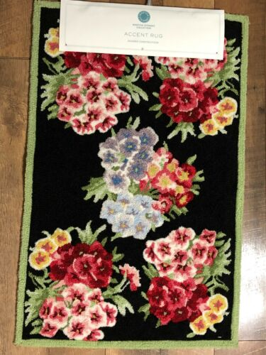 Martha Stewart Hooked Accent Rug NWT Dianthus Floral 21 x 33 BEAUTIFUL!