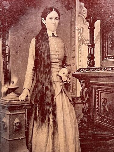 RARE 1/2 PLATE TINTYPE - WOMAN WITH RAPUNZEL LENGTH HAIR & HOLDING TINY BOUQUET