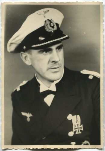 GERMAN WWII ARCHIVE PHOTO: KRIEGSMARINE OFFICER, NAME ON REVERSE