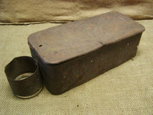 Vintage IHC Tractor Toolbox > Antique Old Iron Farm