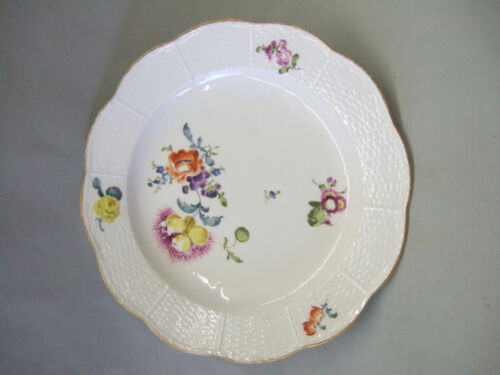 Meissen antique porcelain plate c.1750, Altozier pattern