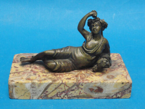 SENSUAL ANTIQUE 19c GRAND TOUR BRONZE NUDE SCULPTURE ON MARBLE