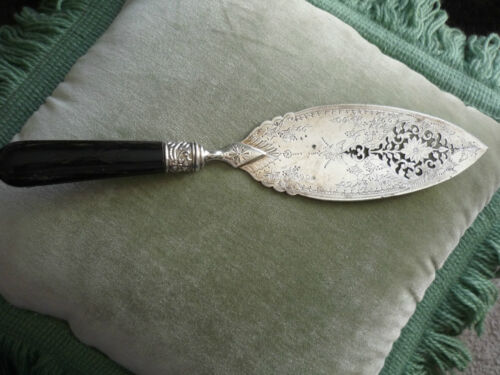 GORGEOUS VICTORIAN PIE/PASTRY SERVER/EBONY HANDLE W/ PIERCE WORK