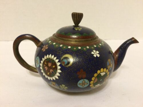 Antique Cloisonné Small Teapot Chrysanthemum Finial - Very Fine Intricate Design