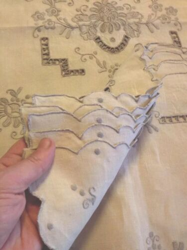 Antique Hand Embroidered Linen Table Runner With 6 Matching Place Mats