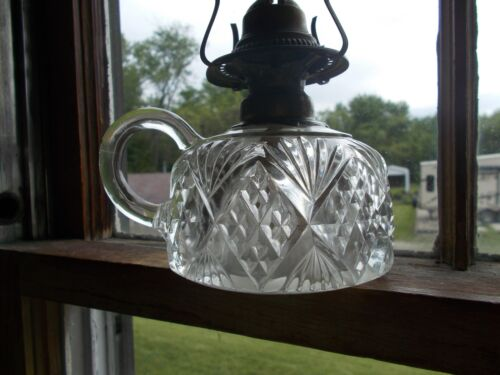 ORIGINAL 1890s DIAMOND SAWTOOTH & SHEAF PATTERN FINGER LAMP W/BRASS BURNER
