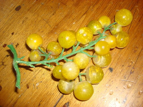 Vintage STONE CLUSTER OF YELLOWISH-GREEN GRAPES #12