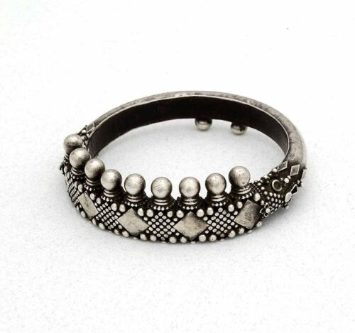 Rare tribal ethnic silver bracelet from Tamil Nadu, South India, 1900's