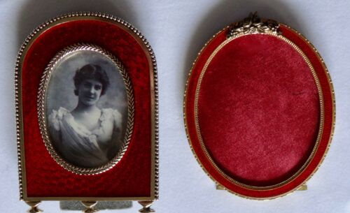 """2 RED ENAMELED PICTURE FRAMES 4"""" X 3"""" C1910 & C2000"""
