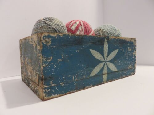 EARLY SM SQ NAIL PRIMITIVE BOX IN OLD BLUE PAINT PLUS 5 OLD RAG BALLS AAFA, NR