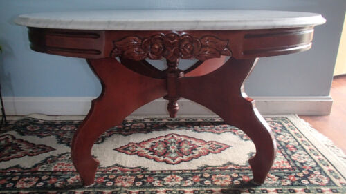 Vintage Victorian Mahogany Wood Oval Coffee Table With White & Grey Marbled Top