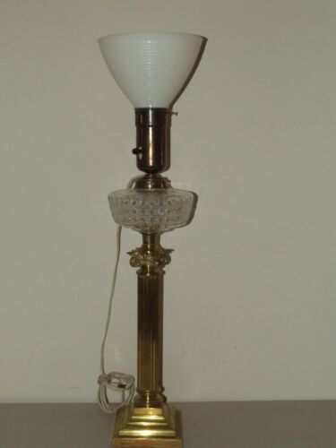 Antique Working Brass Victorian Corinthian Column Banquet Table Lamp