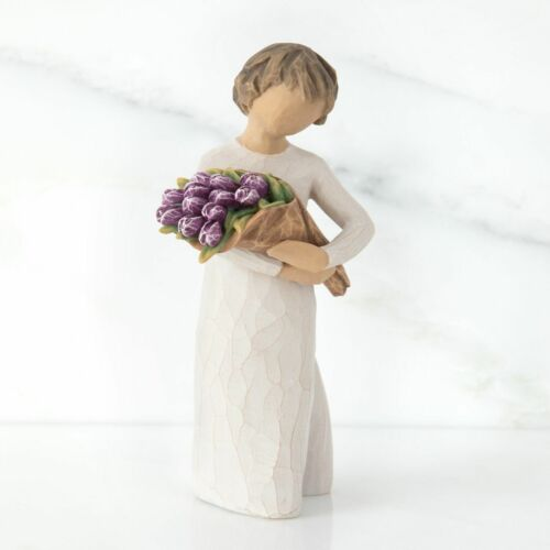 Willow Tree Figurine Surprise - Girl With Flowers Susan Lordi 27788