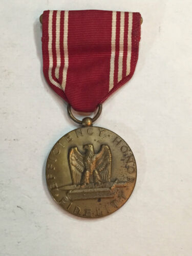 WW II U.S. ARMY GOOD CONDUCT MEDAL *NAMED* Medals & Ribbons - 4724