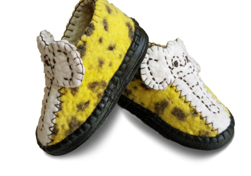 Warm light soft natural wool felt anti-slip slippers for kids indoor winter