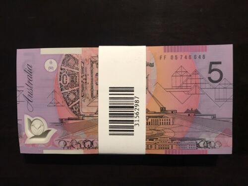 !!!! 2016 AUSTRALIA NEW $5 NOTE CONSECUTIVE SERIAL NUMBER PAIR 2 NOTES