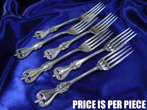 TOWLE OLD COLONIAL STERLING SILVER PLACE FORK - NEARLY NEW CONDITION