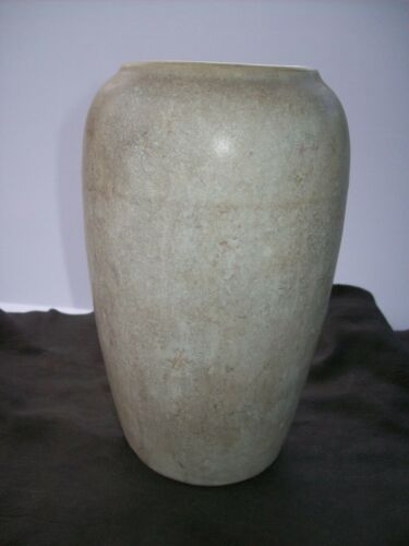 "Antique distressed Primitive Arts Crafts 9"" Hand Thrown Cabinet Pottery Vase-euc"