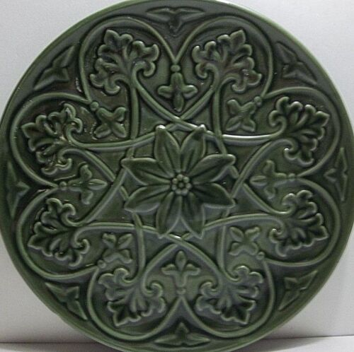 Antique MAJOLICA Plate Charger GREEN Flowers Leaves