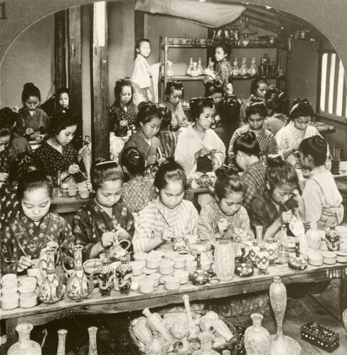 Keystone Stereoview Girls Decorating Pottery in Kyoto, Japan From Rare 100 Cards