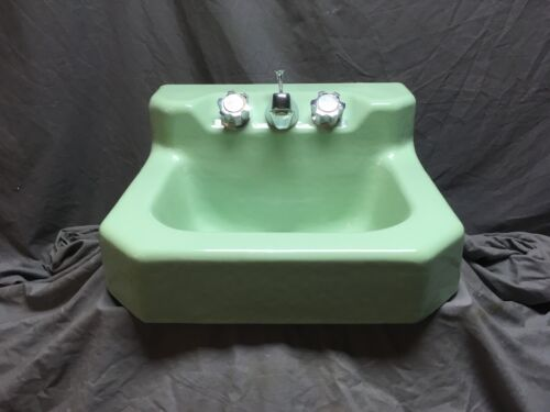 Vtg Mid Century Jadeite Green Porcelain Cast Iron Shelf Back Sink Bath 551-20E
