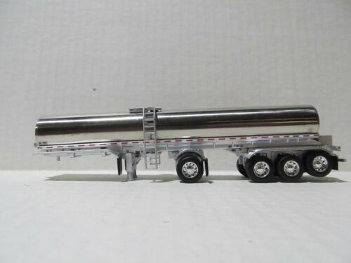 DCP FIRST GEAR 1/64 SCALE QUAD AXLE MILK TANKER, CHROME & SILVER