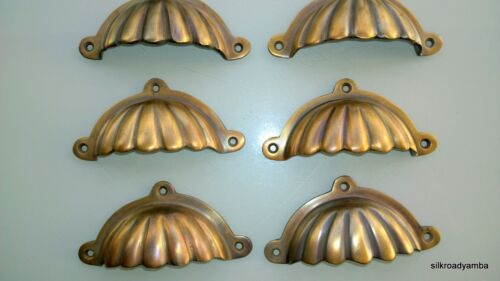 "6 cast ribbed solid brass heavy shell shape pulls handle kitchen vintage 4"" B"