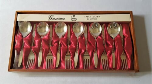 SET OF SIX VINTAGE C1970'S GROSVENOR SILVERPLATED DESSERT FORKS & SPOONS IN BOX