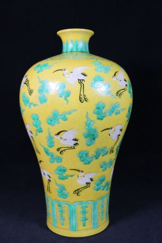 beautiful chinese glaze with three-color(素三彩) porcelain vase