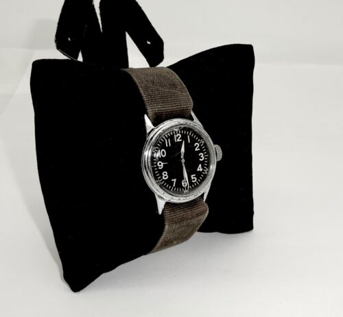 VINTAGE WWII ELGIN A-11 MILITARY HACK 539 16J WRISTWATCH,ORIG CANVAS BAND,RUNSWristwatches - 31387
