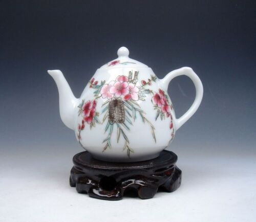 *Ship From U.S* Famille-Rose Cricket & Flowers Hand Painted Porcelain Teapot