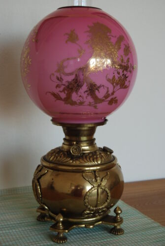 ANTIQUE OLD OIL KEROSENE GWTW PINK CASED GLASS LION SHADE BANQUET VICTORIAN LAMP