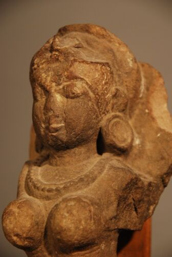 SANDSTONE BUST OF AN ASPARA 14TH - 15TH CENTURY A.D.