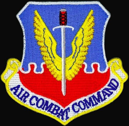 AUTHENTIC AIR FORCE - AIR COMBAT COMMAND - USAF PATCH on Hook & Loop - MINT Other Space Travel - 416