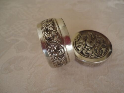 ANTIQUE HAND CHASED 925 STERLING SILVER SNAKE PILL SNUFF BOX W MARKS