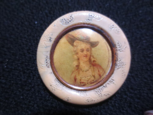 "SCARCE VICTORIAN CELLULOID LITHOGRAPH ""MARIE ANTOINETTE"" TYPE BUTTON TYPE 11"