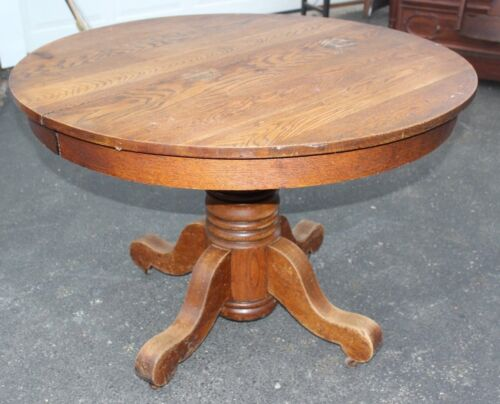 1905 -15 QUARTERSAWN OAK TOP EMPIRE STYLE ROUND DINING ROOM TABLE