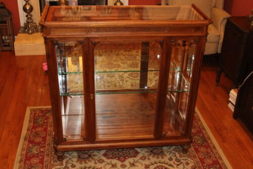 Antique Curio Cabinet/Display Case/Bookcase/Glass Doors Hand Carved Details