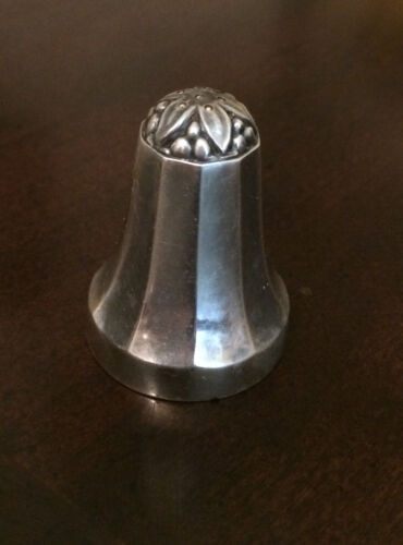 GEORG JENSEN STERLING PEPPER SHAKER (#423) PATTERN C. 1930 VERY GOOD CONDITION