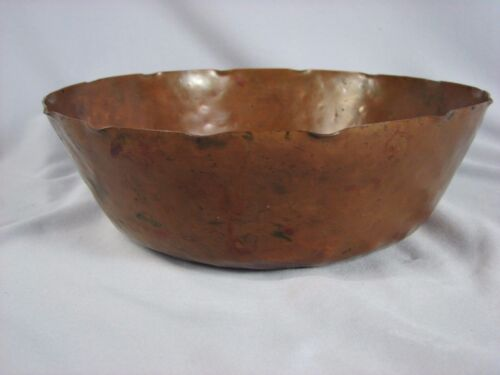 Antique Stickley Era Arts & Crafts Hammered Copper Bowl Marked G HANDWROUGHT