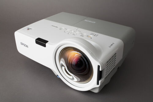 Projector  Epson EMP-400We with remote Control