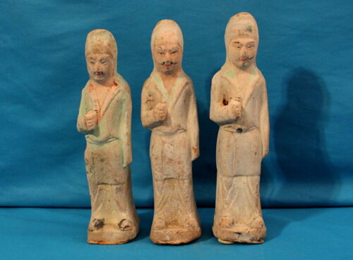 THREE FINE CHINESE NORTHERN QI DYNASTY PAINTED POTTERY FIGURES