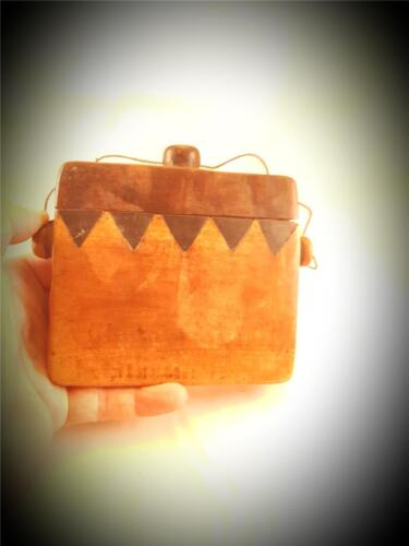 """ANTIQUE CEREMONIAL""""TONGGAL"""" CHARM BOX MELOLO VILL SUMBA INDO"""