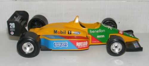 COLLECTION VOITURE MINIATURE F1 FORD BENETTON B 188 - 1/24 - BURAGO ITALY /B2836