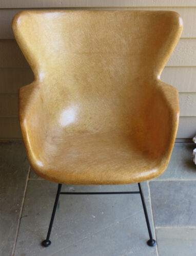 LAWRENCE PEABODY MCM DESIGN SELIG BUTTERSCOTCH FIBERGLASS WING BACK CHAIR 1950's