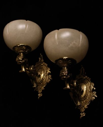 Pair of solid bronze and real alabaster wall lights sconces with lion head