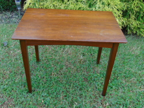 INTERNATIONAL DESIGNERS GROUP MID CENTURY DANISH MODERN WALNUT SIDE TABLE