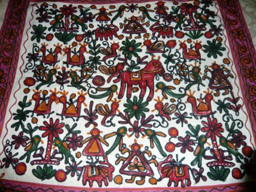 VINTAGE GUJARAT ORNATE TRIBAL HANDEMBROIDERD  WALLHANGING TAPESTRY TINY MIRRORS